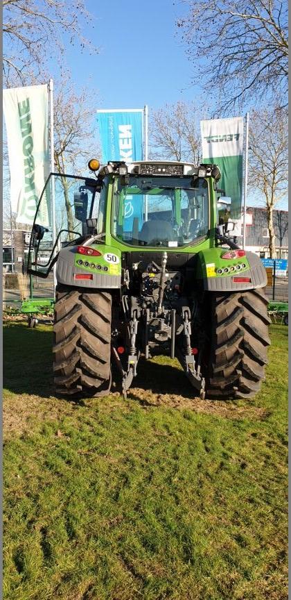 Traktoren-Fendt-25508872